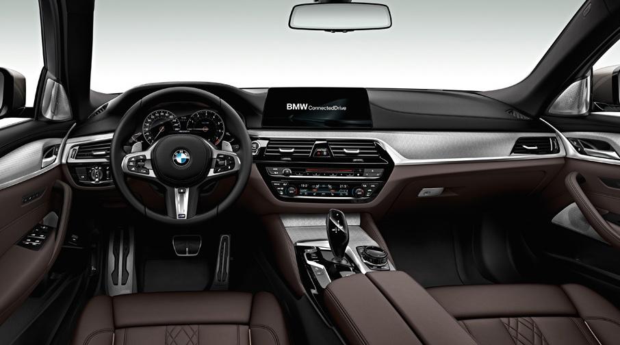 Rejting-5-samyh-bystryh-dizelnyh-avtomobilej-poslednih-let-foto-BMW-M550d-xDrive-salon