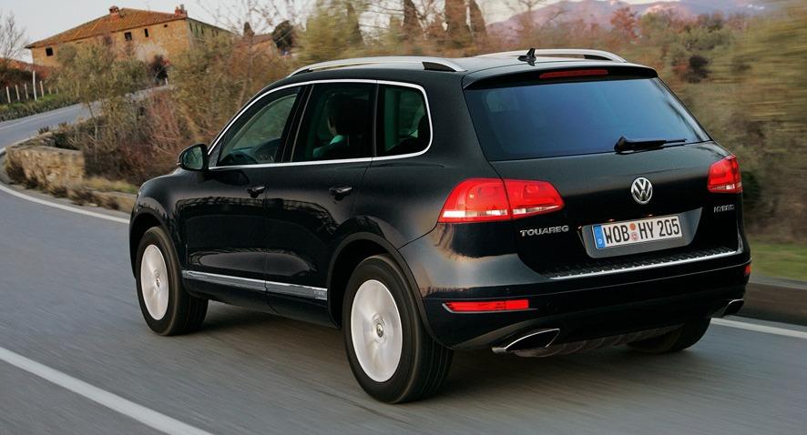 Rejting-5-samyh-bystryh-dizelnyh-avtomobilej-poslednih-let-foto-Volkswagen-Touareg-4.2-v8-TDI