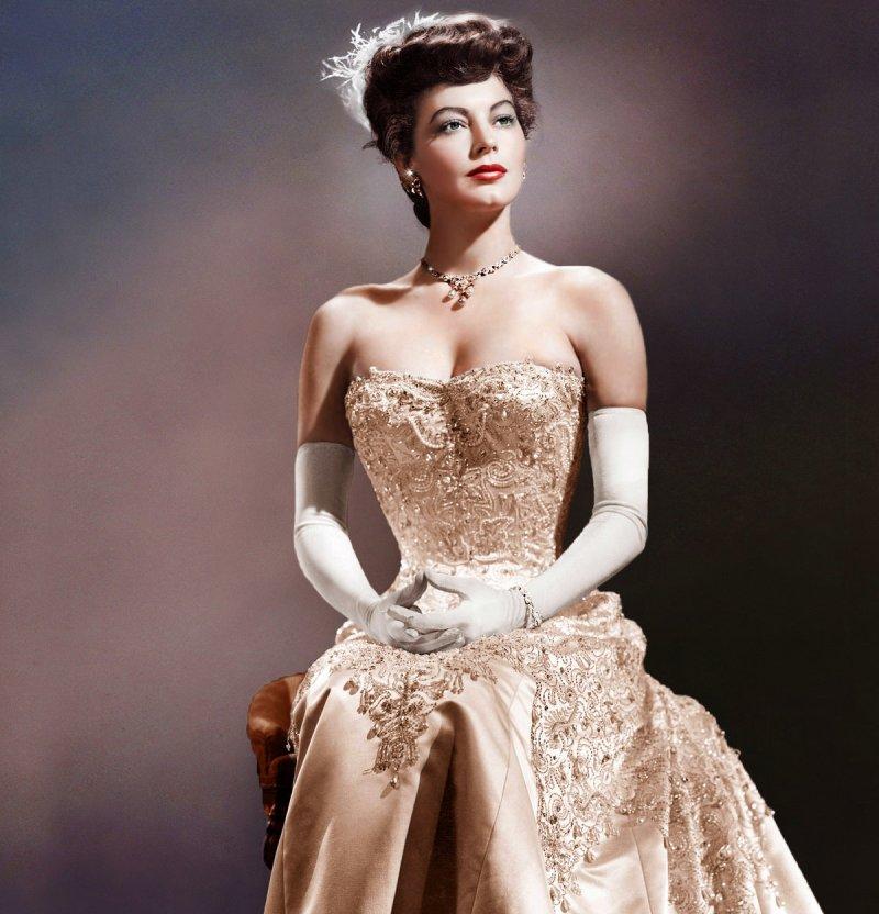 Test-Viktorina-dlya-devushek-na-kakuyu-idealnuyu-krasavitsu-20-veka-vy-pohozhi-foto-Ava-Gardner-aktrisa