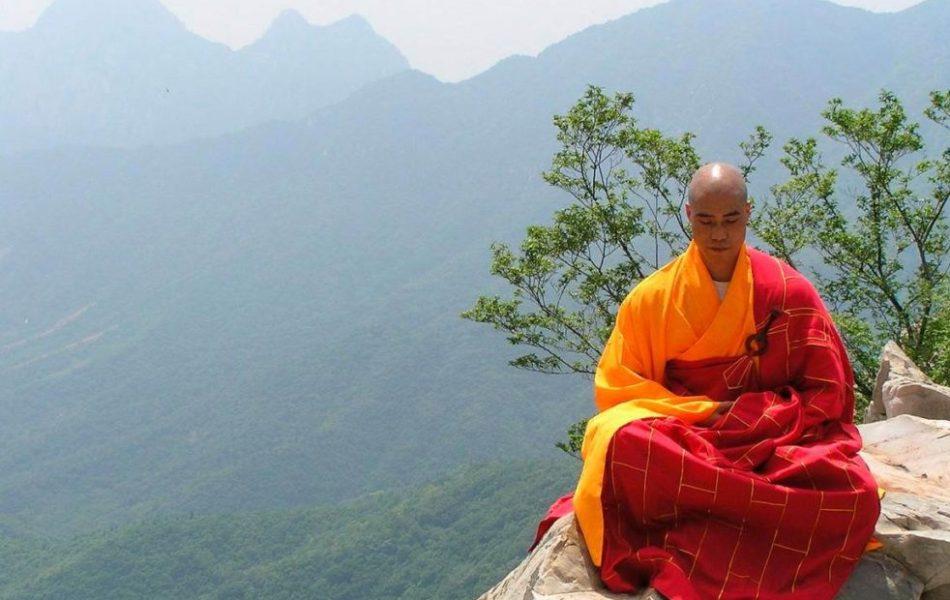 dieta-shaolinskih-monahov-dlya-zdorovya-strojnosti-i-krasoty-foto-Tibet-budijskij-monah-monastyr-shaolin