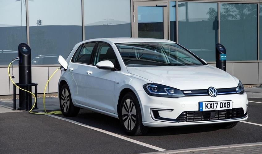 kak-vliyaet-holod-moroz-na-elektromobil-foto-Volkswagen-E-Golf-2017-elektrokar