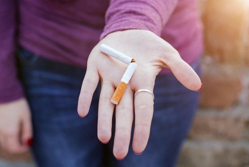 kak-vliyaet-otkaz-ot-sigaret-na-organizm-stadii-otkaza-pobochnye-effekty-foto-kak-otkaz-ot-kureniya-vliyaet-na-ves