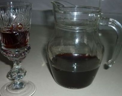 slivyanka-domashnee-vino-iz-sliv-retsept-prigotovleniya-slivovoj-nalivki-foto-slivyanka-posle-6-mesyatsev-vyderzhki
