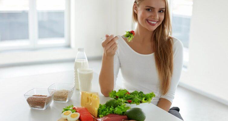 Специалисты Роспотребнадзора назвали 7 золотых правил полезного правильного питания (фото)