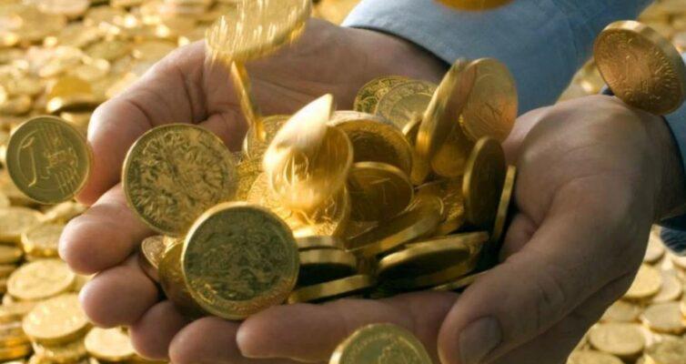 vernye-sny-ukazyvayushhie-na-poluchenie-deneg-pribyli-bogatstva-foto-dengi-monety-bogatstvo