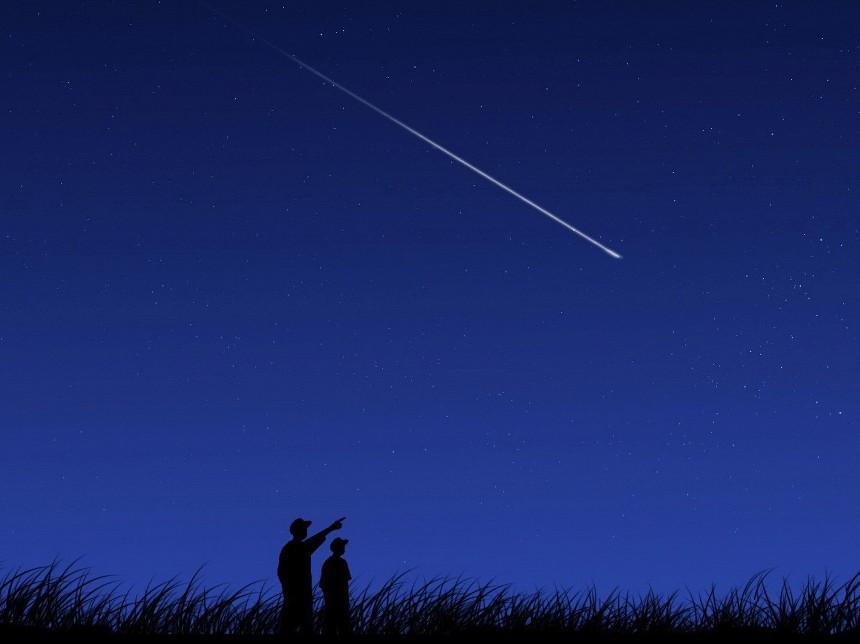 zvezdy-narodnye-primety-i-k-chemu-zvezdy-snyatsya-foto-zvezda-letit-v-nochnom-nebe