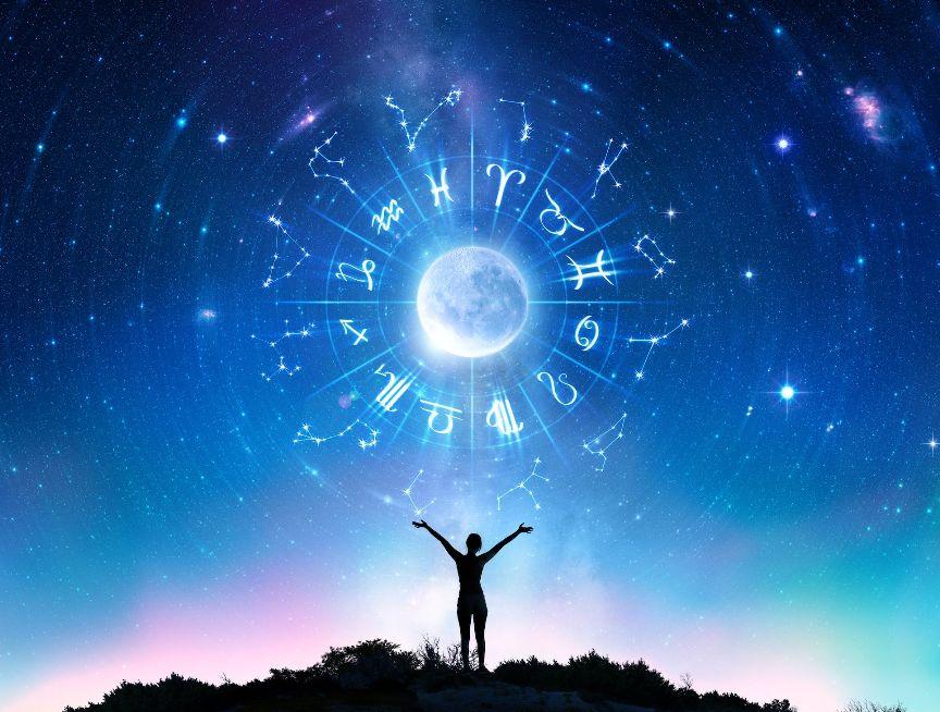 chto-pomozhet-kazhdomu-znaku-zodiaka-dobitsya-uspeha-v-novom-2020-godu-foto-zodiakalnyj-krug-astrochasy