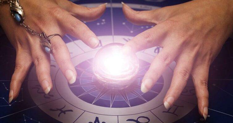 pyat-znakov-zodiaka-s-ekstrasensornymi-sposobnostyami-foto-magicheskij-shar-na-zodiakalnom-kruge