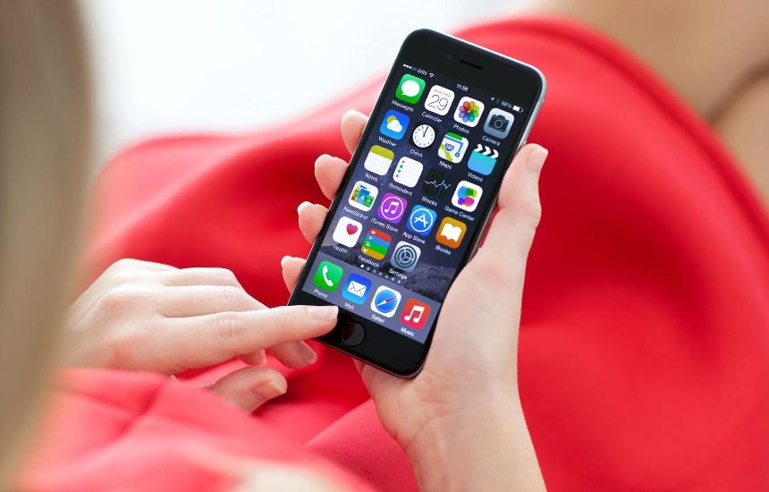 primety-o-telefonah-i-planshetah-k-chemu-uronit-darit-tresnul-ekran-ustrojstvo-razbilos-foto-smartfon-ajfon
