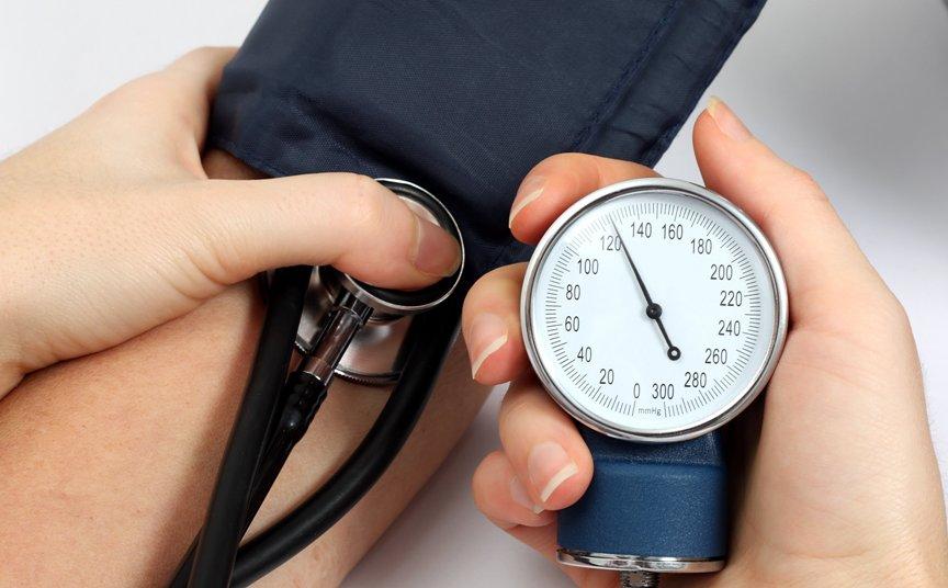 6-bystryh-sposobov-snizit-davlenie-bez-lekarstv-foto-norma-arterialnogo-davleniya