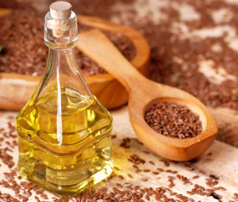 7-produktov-kotorye-dolzhny-byt-obyazatelno-v-menyu-diabetika-foto-lnyanoe-maslo