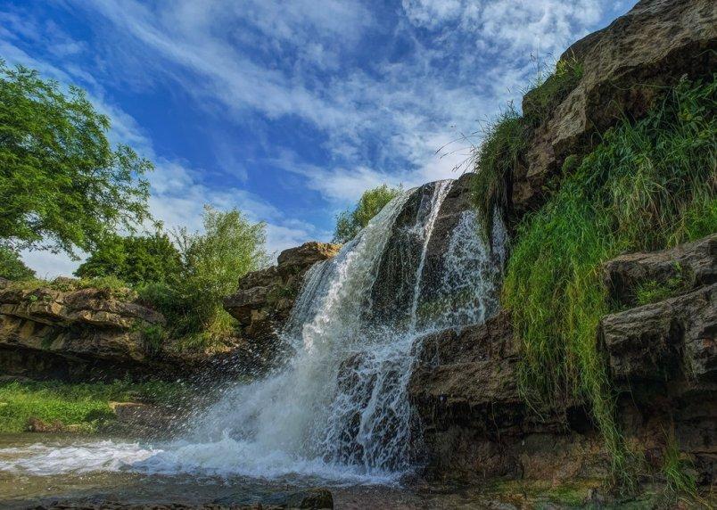6-samyh-krasivyh-vodopadov-Rossii-kotorye-stoit-posetit-adresa-kak-dobratsya-foto-vodopad-lermontovskij-kislovodsk...