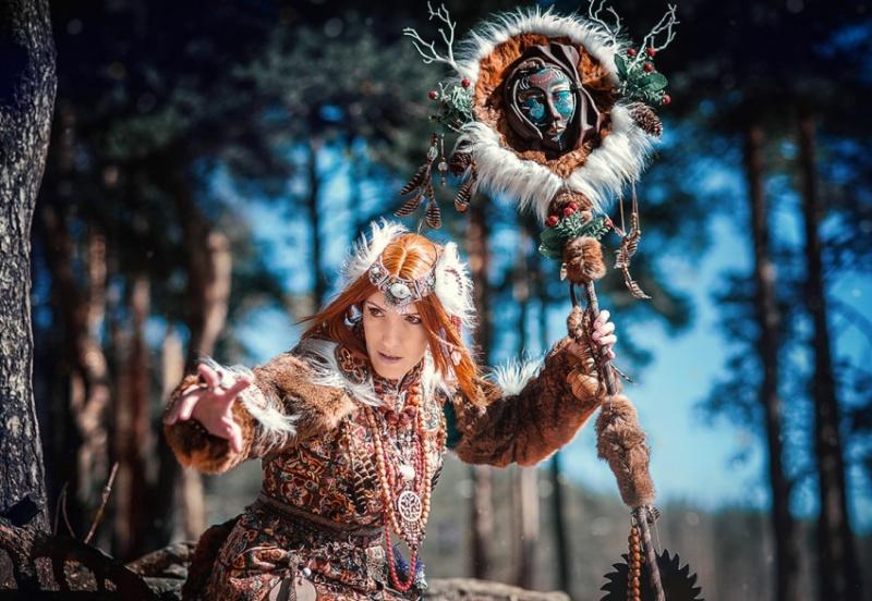 kak-stat-shamanom-vozmozhnye-sposoby-foto-shaman-zhenshhina-shamanka
