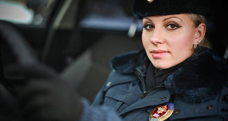7-tsennyh-sovetov-ot-inspektora-dps-voditelyam-foto-nina-grigor-inspektor-dps
