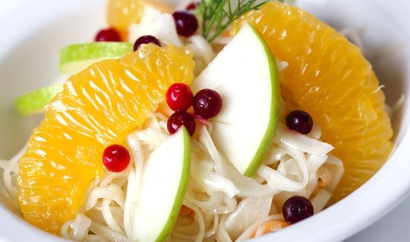 polza-kapusty-dlya-pecheni-retsepty-ochishhayushhie-pechen-ot-toksinov-foto-salat-iz-kapusty-s-apelsinom-kivi-klyukvoj-ili-brusnikoj