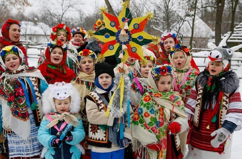 14-yanvarya-staryj-Novyj-god-i-den-svyatogo-Vasiliya-traditsii-i-primety-foto-kalyada