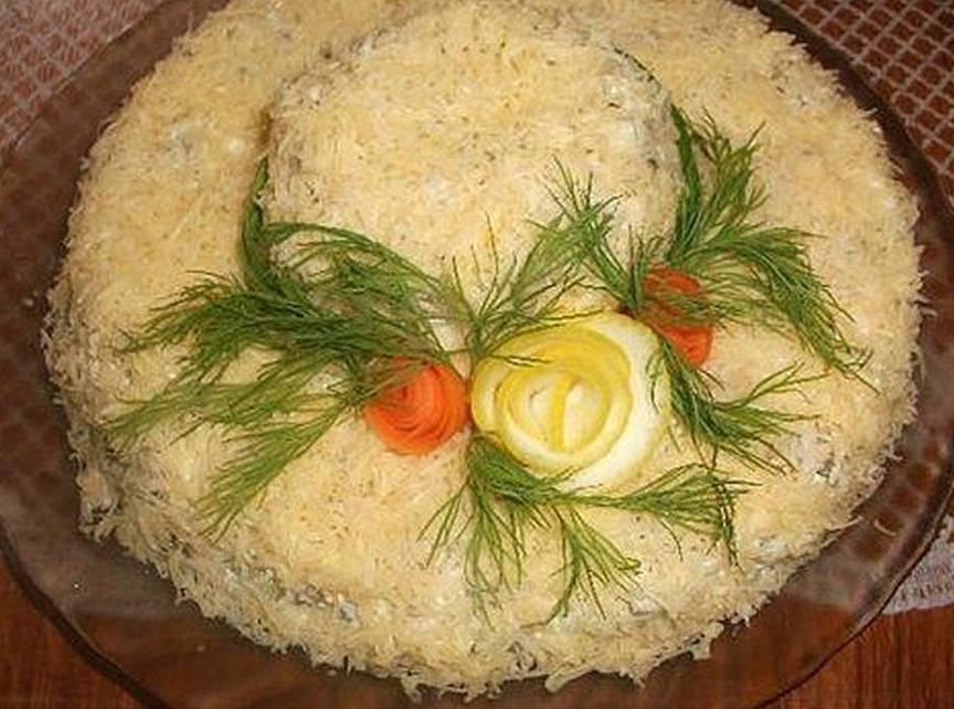 salat-shlyapka-retsept-prigotovleniya-na-prazdnik-8-marta