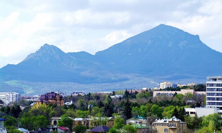kavkazskie-mineralnye-vody-sozvezdie-kurortov-dlya-ozdorovleniya-i-otdyha-foto-pyatigorsk-gora-beshtau-elbrus