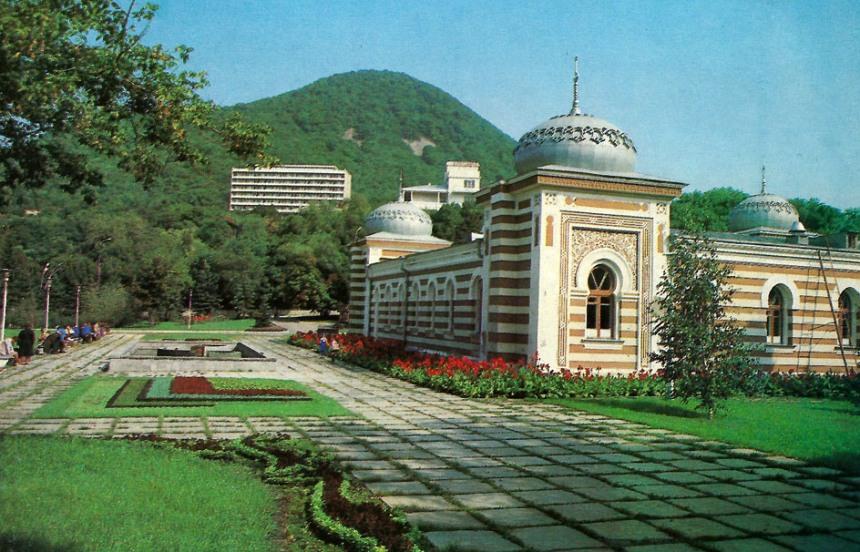 kavkazskie-mineralnye-vody-sozvezdie-kurortov-dlya-ozdorovleniya-i-otdyha-foto-zheleznovodsk-ostrovskie-vanny