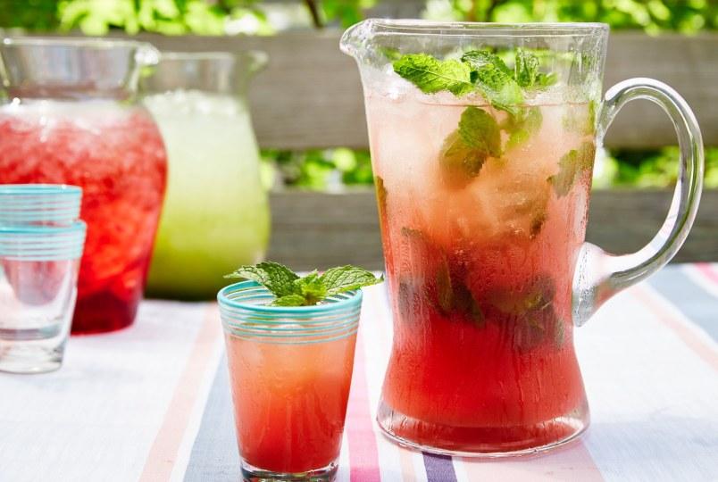 retsepty-naturalnogo-domashnego-limonada-pyat-retseptov-kak-prigotovit-foto-arbuznyy-limonad