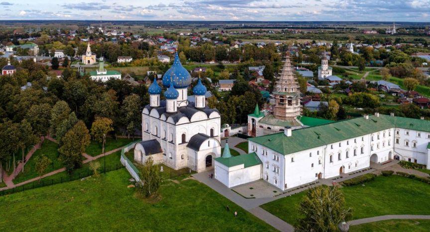 goro-suzdal-kreml-rozhdestvenskiy-sobor-bogoroditsy