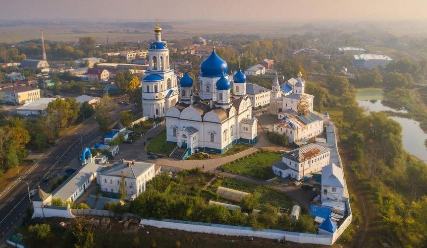 gorod-bogolyubovo-vladimirskaya-oblast-svyato-bogolyubskiy-monastyr