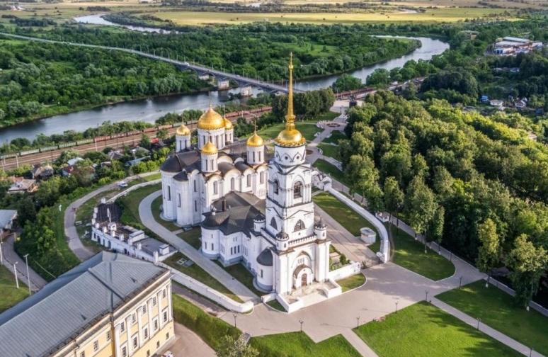krasoty-vladimira-i-drugih-gorodov-zolotogo-koltsa-vladimirskoy-oblasti-foto-gorod-vladimir-uspenskiy-sobor