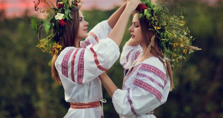 primety-dlya-nezamuzhnih-devushek-svyazannye-s-prazdnikami-15-narodnyh-primet-i-poveriy-dlya-odinokih-devushek