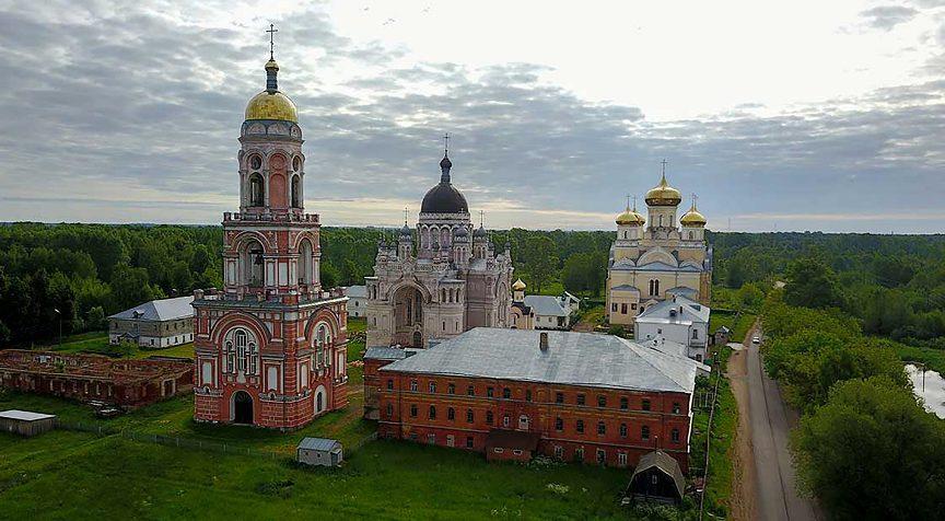 gorod-tver-i-tverskaya-oblast-dostoprimechatelnosti-foto-gorod-vyshniy-volochek-kazanskiy-zhenskiy-monastyr