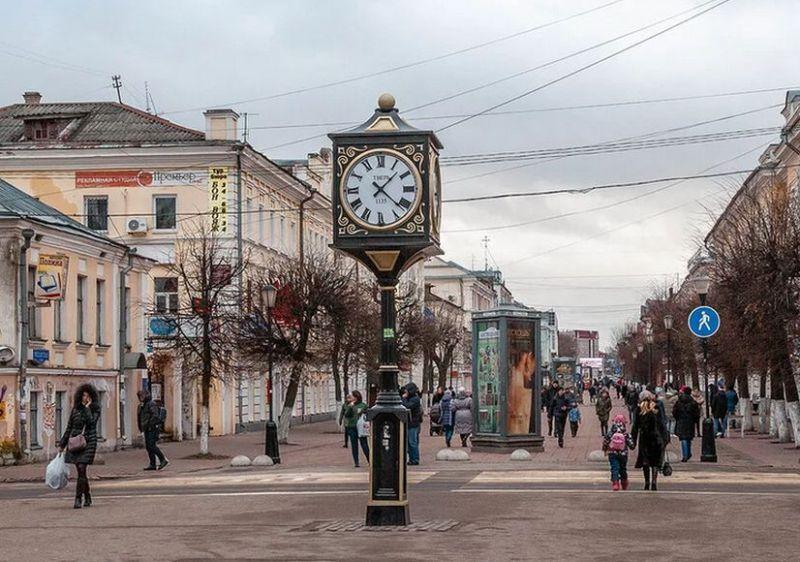 gorod-tver-i-tverskaya-oblast-dostoprimechatelnosti-foto-trehsvyatskaya-ulitsa-tverskoy-bulvar