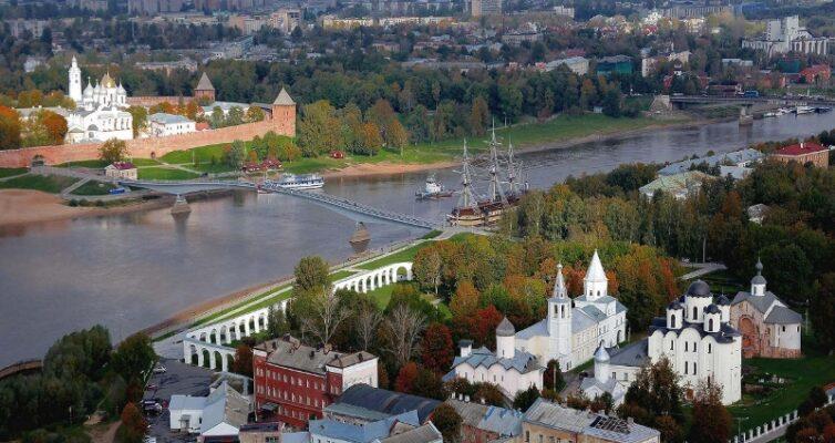 gorod-velikij-novgorod-i-oblast-dostoprimechatelnosti-opisanie-i-foto-kreml-torgovaya-storona-reka-volhov