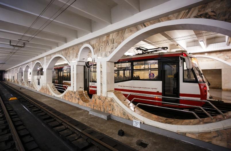 gorod-volgograd-i-oblast-dostoprimechatelnosti-foto-volgogradskij-skorostnoj-tramvaj-metrotram