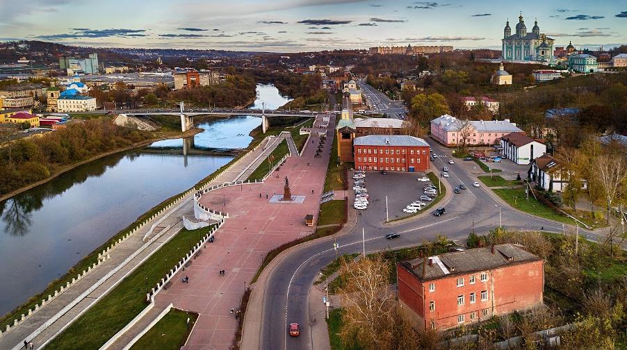otdyh-po-rossii-smolensk-i-oblast-dostoprimechatelnosti-foto-naberezhnaya-reki-dnepr-v-smolenske
