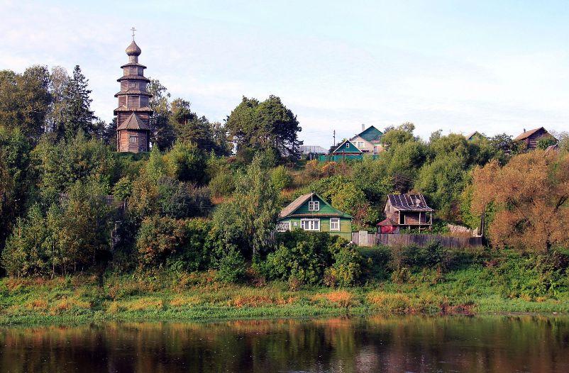 tverskaya-oblast-dostoprimechatelnosti-foto-torzhok-vaselevo-usadba-na-beregu-reki-tvertsa