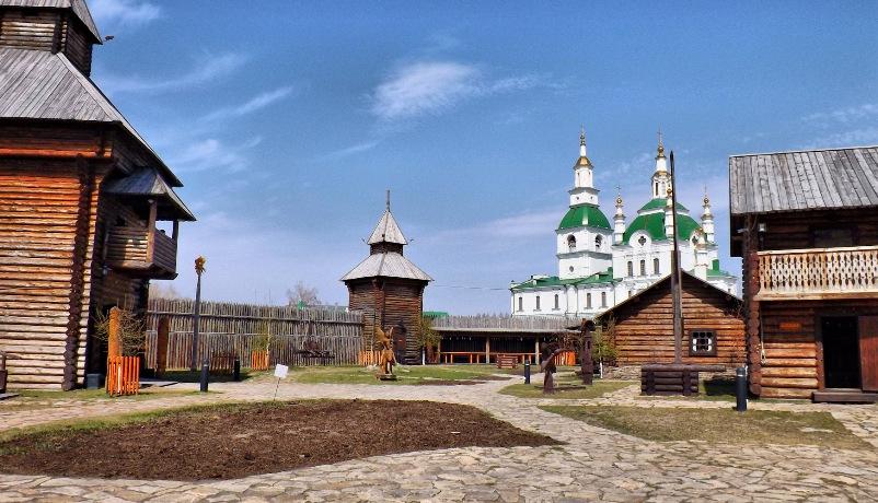 tyumen-i-oblast-dostoprimechatelnosti-gorod-yalutorovsk-ostrog-muzejnyj-kompleks