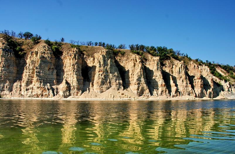 volgograd-i-oblast-dostoprimechatelnosti-foto-shherbakovskij-park-stolbichi-kamennye-steny