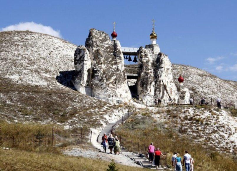 voronezh-i-oblast-dostoprimechatelnosti-muzej-zapovednik-divnogore-kostomarovskij-zhenskij-peshhernyj-monastyr