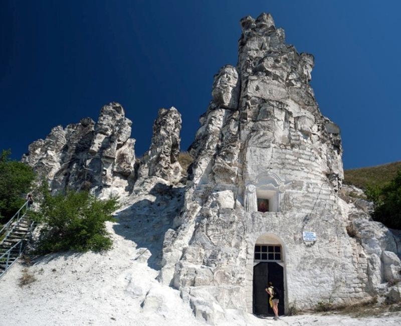 voronezh-i-oblast-dostoprimechatelnosti-muzej-zapovednik-divnogore-peshhernyj-hram-sitsilijskoj-ikony-bogomater
