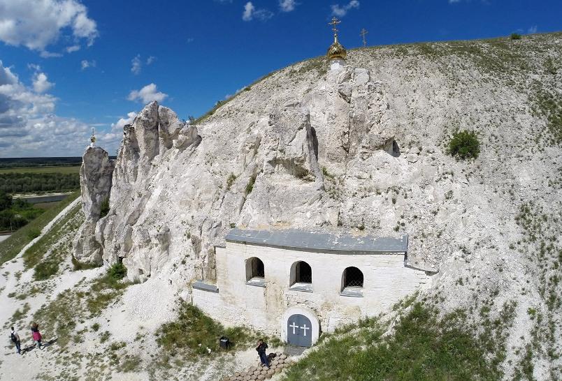 voronezh-i-oblast-dostoprimechatelnosti-muzej-zapovednik-divnogore-svyato-spaskij-zhenskij-peshhernyj-monastyr