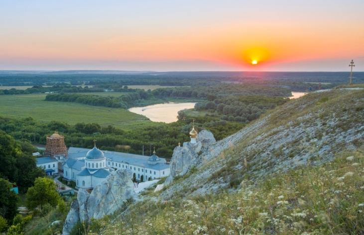 voronezh-i-oblast-dostoprimechatelnosti-muzej-zapovednik-divnogore-v-voronezhskoj-oblasti.