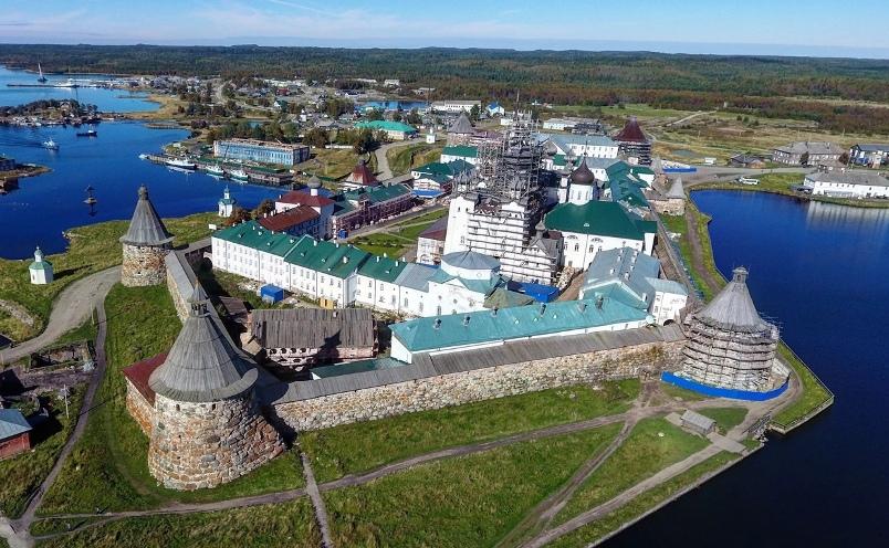 arhangelsk-i-oblast-dostoprimechatelnosti-foto-solovetskij-monastyr-spaso-breobrazhenskij