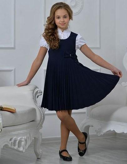kak-odet-devochku-na-1-sentyabrya-v-pervyj-klass-sarafan-bluza-s-korotkim-rukavom