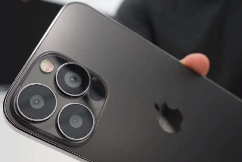 novyj-iPhone-13-ot-Apple-iz-4-h-modelej-haraktiristika-foto-tseny